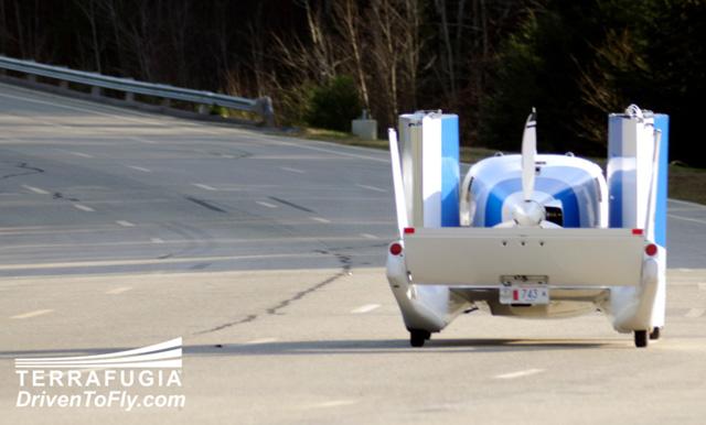 terrafugia flying car 08